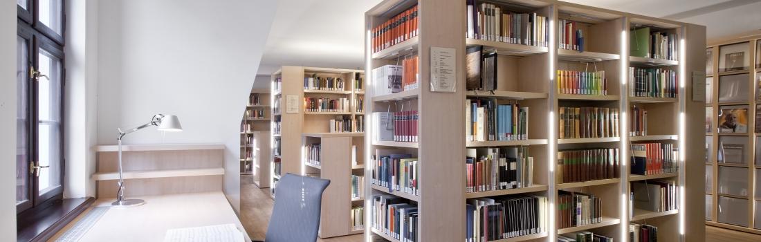 Modernes Studienzentrum am historischen Ort