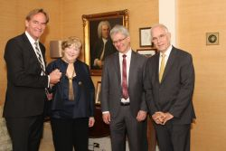 Mayor Burkhard Jung, Judith Scheide, Prof. Dr. Peter Wollny, Prof. Dr. Dr. h.c. mult. Christoph Wolff (FLTR) at the portrait's farewell reception in Princeton / New Jersey (© Bach Archive, Deborah Gichan)