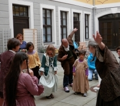 Baroque dance-lesson, Photo: Bach Archive Leipzig